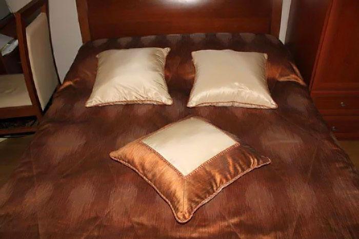 Простой бизнес для каждого человека: пошив декоративных подушек