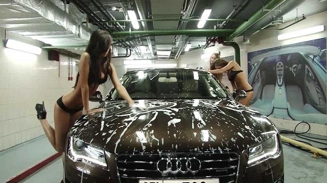 Эротическая автомойка авто, двойное удовольствие для клиента
